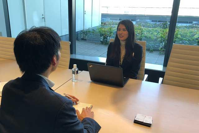 レバテックフリーランス谷彩霞さんへの直撃インタビューの写真