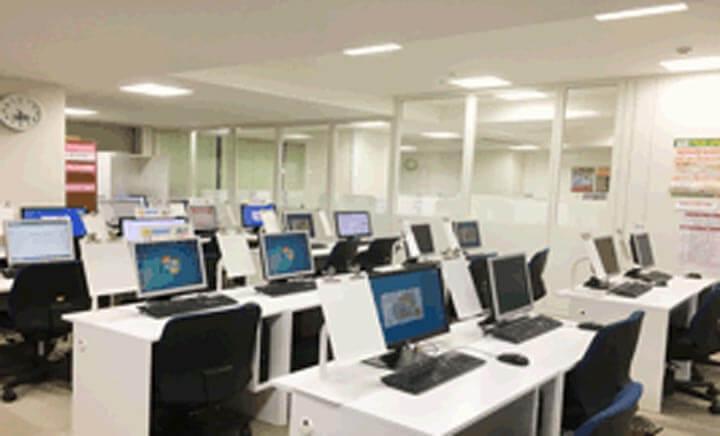 パソコン教室AVIVA(アビバ)仙台駅前校の教室内写真