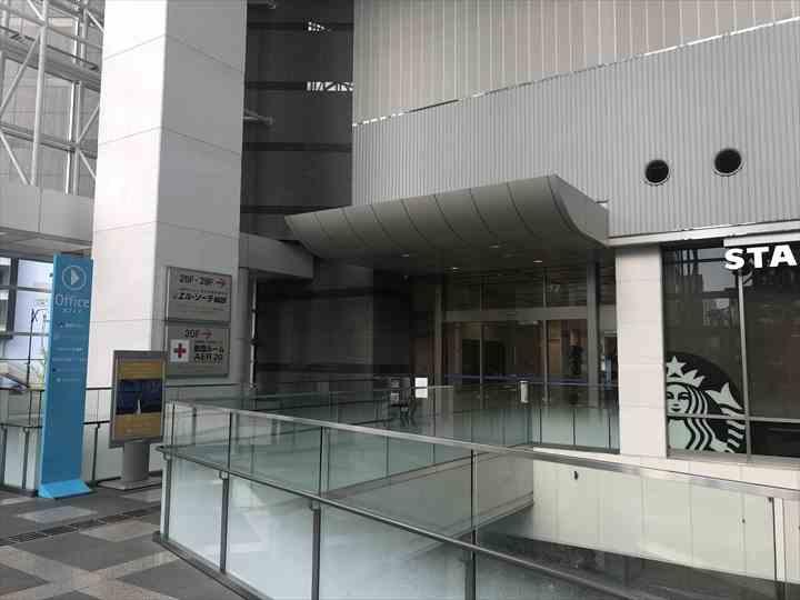 AER(アエル)オフィスフロアのエレベーターホール入口の写真