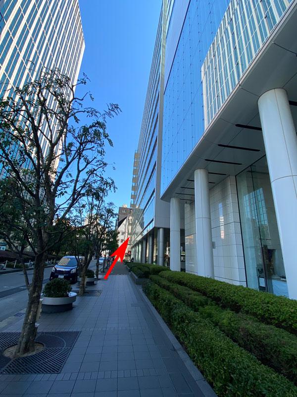 ホテル エルセラーン大阪と堂島プラザビルが並ぶ写真