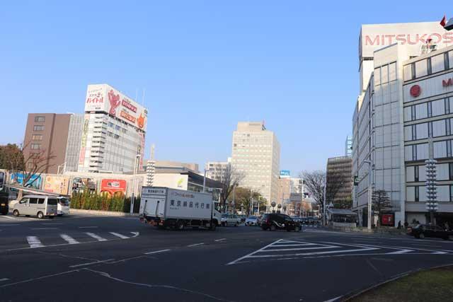 名古屋の栄交差点の写真